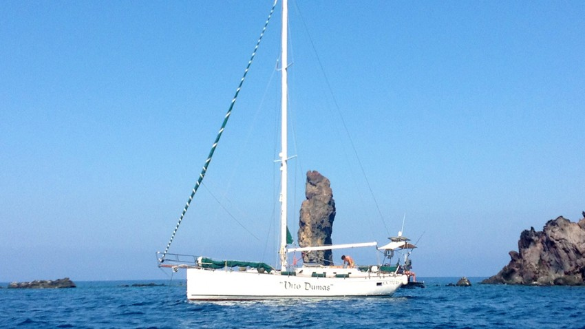 3barca-vela-con-skipper-isole-flegree